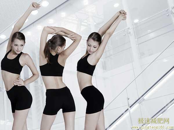 怎么减肩膀后背的赘肉?瑜伽3招式让你拥有香肩美背